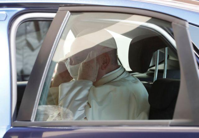 Ο πάπας Φραγκίσκος εθεάθη για πρώτη φορά με μάσκα | tanea.gr