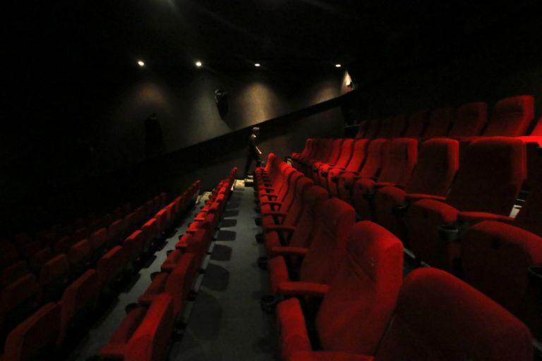 Κοροναϊός: Τι ισχύει από Δευτέρα για κινηματογράφους, μουσεία, συναυλίες | tanea.gr