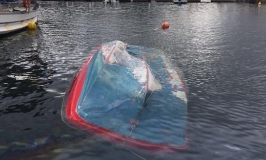 Λέσβος: Αίσιο τέλος για τους 3 επιβάτες του αλιευτικού που ανετράπη   tanea.gr