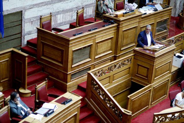 Ψηφίζονται σήμερα στη Βουλή οι απλήρωτες υπερωρίες και οι μειώσεις στα δώρα   tanea.gr