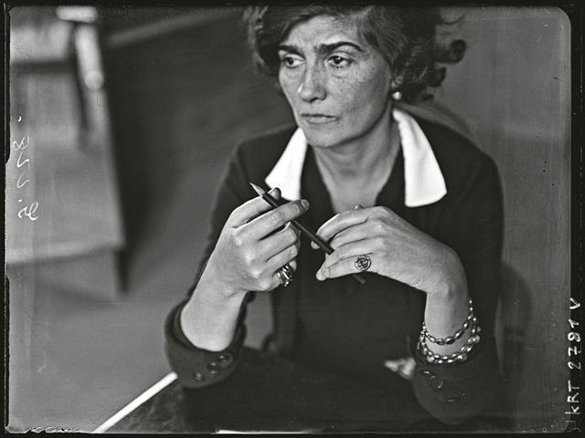 Το πορτρέτο μιας δυνατής κυρίας   tanea.gr
