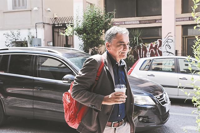 Τσακαλώτος στο «Βήμα» : «Το αρχηγικό κόμμα είναι στα αζήτητα της Ιστορίας»   tanea.gr