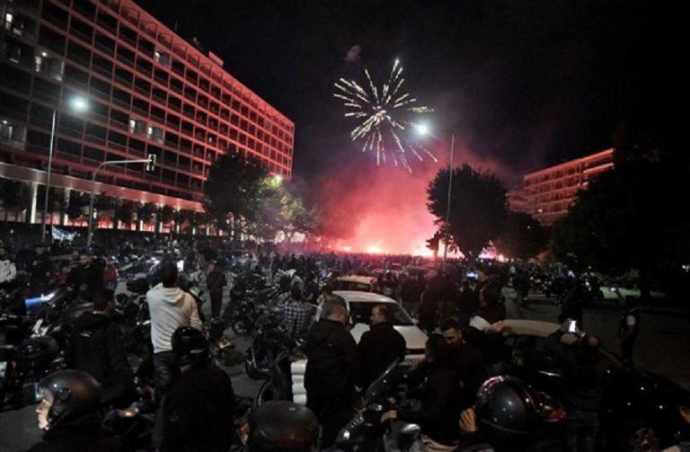 Eξαδάκτυλος : Τα πανηγύρια των ΠΑΟΚτζήδων αύξησαν τα κρούσματα στην Θεσσαλονίκη   tanea.gr