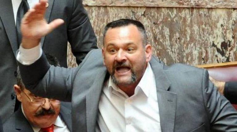 Σε παραλήρημα ο Λαγός: «Ρουφιάνοι αντιφασίστες θα σας ξεφτιλίσω» | tanea.gr