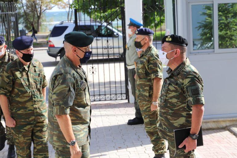 Επίσκεψη του αρχηγού ΓΕΕΘΑ στον Εβρο   tanea.gr