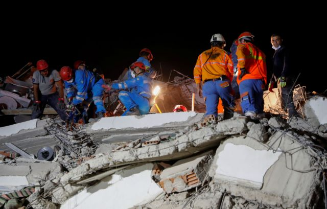 Σεισμός – Σμύρνη : Δραματικές ώρες για τους Έλληνες – Τι λένε στην κάμερα του MEGA | tanea.gr