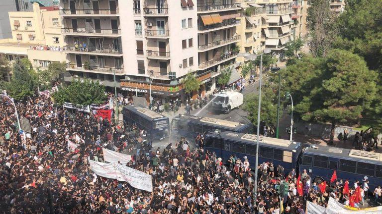 Πώς έγινε η απρόκλητη επίθεση των αστυνομικών στους διαδηλωτές στο Εφετείο | tanea.gr