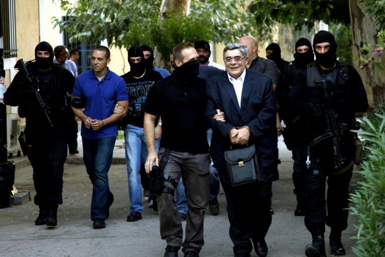 Η αλήθεια για τις άδειες που θα παίρνουν οι Χρυσαυγίτες με... χορηγία ΣΥΡΙΖΑ | tanea.gr