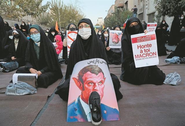 Ο Ερντογάν στήνει τώρα και θρησκευτικό πόλεμο   tanea.gr