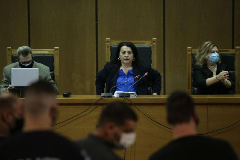 Δικηγόρος οικογένειας Φύσσα : Οι Χρυσαυγίτες ήταν βέβαιοι ότι θα αθωωθούν και δεν είχαν ετοιμάσει ελαφρυντικά | tanea.gr