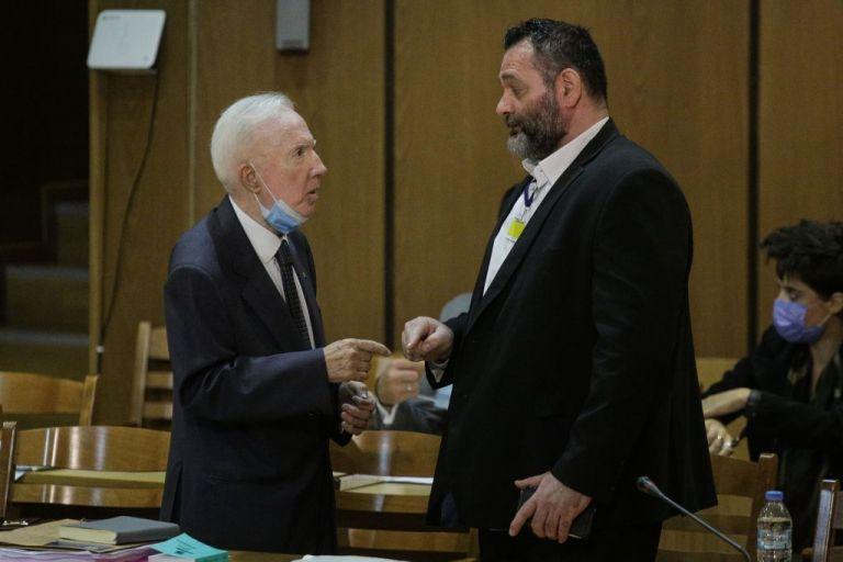 Κωνσταντίνος Πλεύρης: Πώς ο Λαγός κατέφυγε στον ομοϊδεάτη του δικηγόρο | tanea.gr