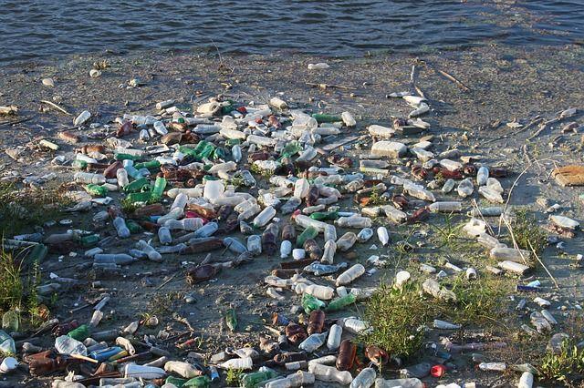 Ετησίως στη Μεσόγειο καταλήγουν 230.000 τόνοι πλαστικών | tanea.gr
