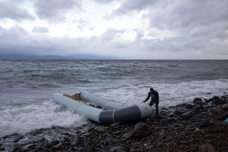 Τυνησία: Τουλάχιστον 21 μετανάστες νεκροί σε ναυάγιο   tanea.gr