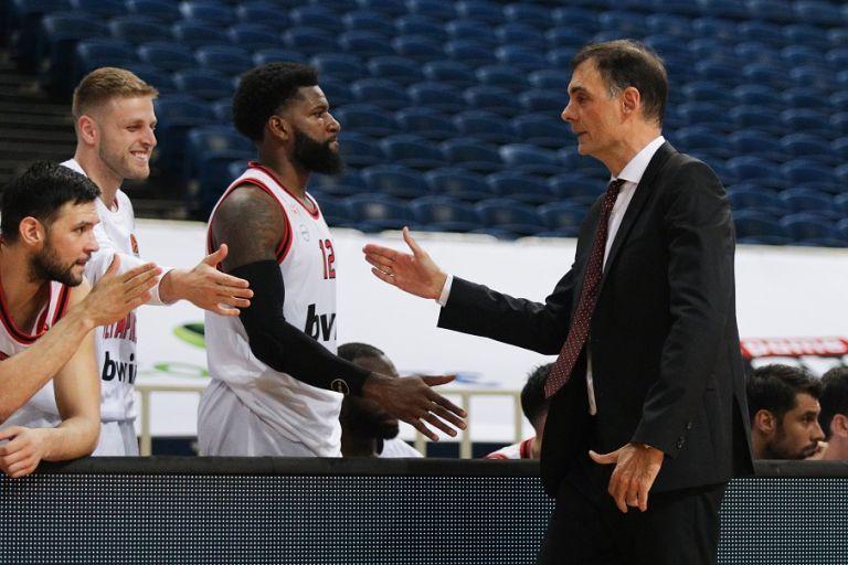 Μπαρτζώκας: «Ικανοποιημένος από τους παίκτες μου, λείπει ο κόσμος από τις εξέδρες» | tanea.gr