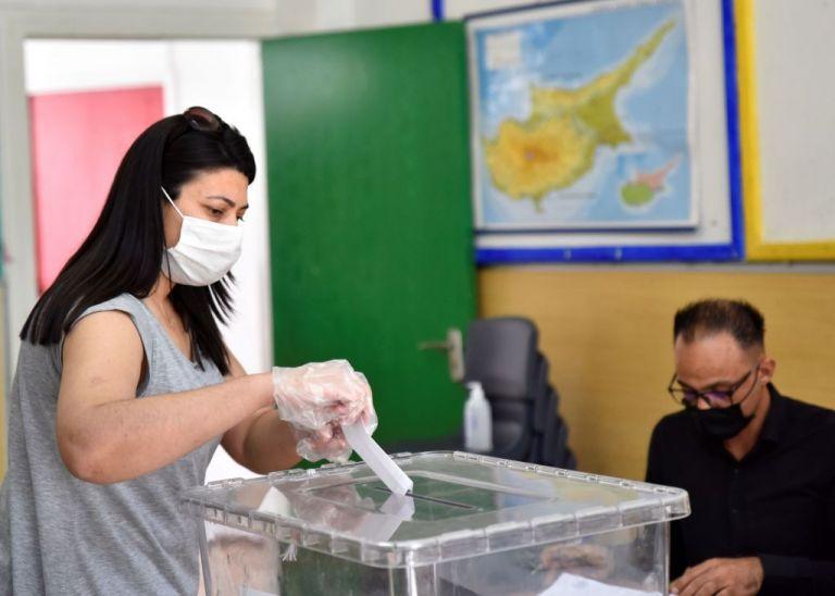«Εκλογές» στα Κατεχόμενα: Έκλεισαν οι κάλπες | tanea.gr