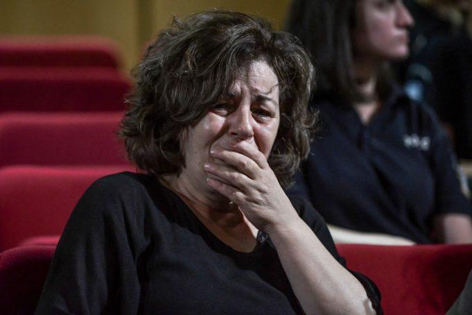 Συγκινητική στιγμή με τη Μάγδα Φύσσα μέσα στο δικαστήριο   tanea.gr