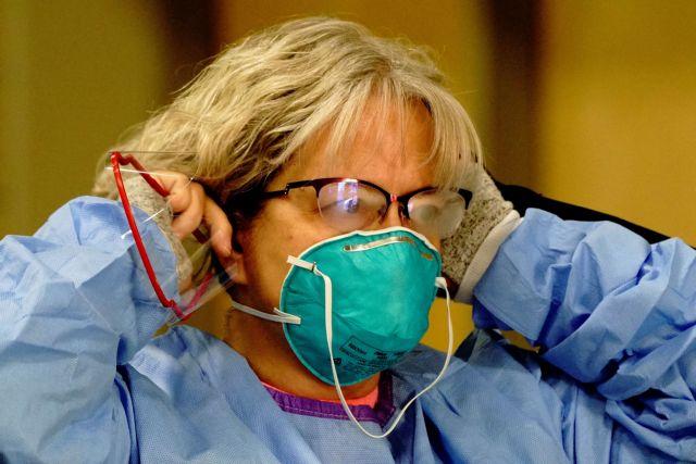 Κοροναϊός : Τρεις κινήσεις για να μην θολώνουν τα γυαλιά όταν φοράτε μάσκα | tanea.gr