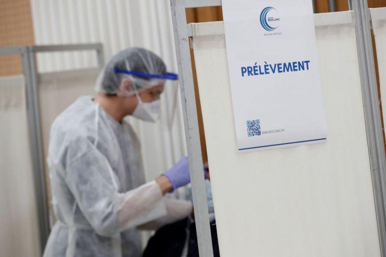 Γαλλία: Πάνω από 52.000 νέα κρούσματα σε μια μέρα | tanea.gr