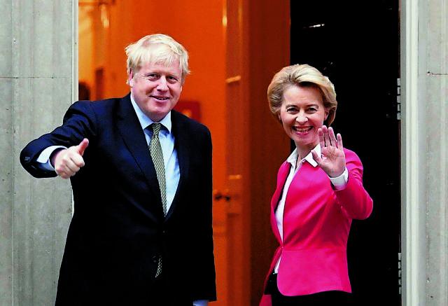 Brexit: Συμφωνία Τζόνσον – Ντερ Λάιεν για επιτάχυνση των διαπραγματεύσεων | tanea.gr