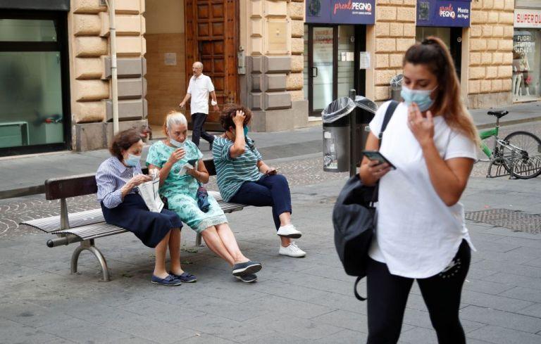 Νέα μέτρα ανακοινώνει στην Ιταλία ο Κόντε | tanea.gr