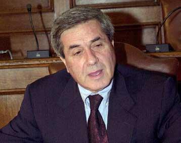 Συλλυπητήρια του προέδρου της Βουλής για τον θάνατο του Πέτρου Κουναλάκη   tanea.gr