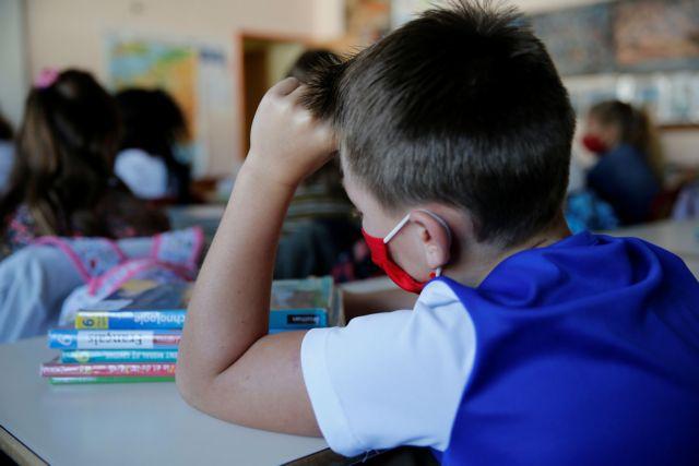 Κοροναϊός: Έφτασαν στην ΚΕΔΕ οι νέες προδιαγραφές για τις μάσκες στα σχολεία | tanea.gr