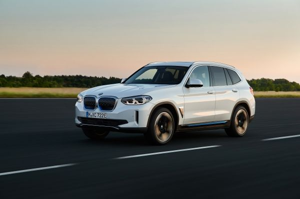 Έτοιμη η νέα, ηλεκτρική BMW iX3 | tanea.gr