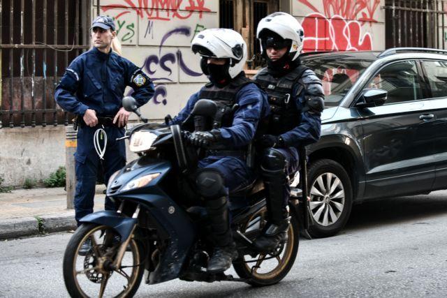 Δύο αστυνομικοί τραυματίες στον Αγ. Παντελεήμονα σε τροχαίο | tanea.gr