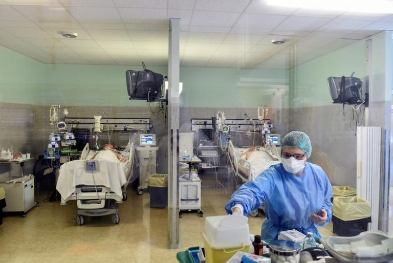 Συγκλονίζει η μαρτυρία νοσηλεύτριας στο MEGA – «Ο κοροναϊός μου έκοβε την ανάσα» | tanea.gr