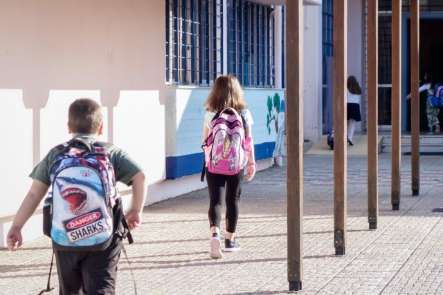 Ηράκλειο: Θετικοί στον κοροναϊό μαθήτρια Λυκείου και δύο εκπαιδευτικοί | tanea.gr