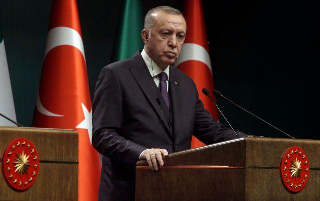 Επίθεση Ερντογάν κατά ΗΠΑ: «Φέρτε μας τις κυρώσεις, είμαστε η Τουρκία και δεν φοβόμαστε» | tanea.gr