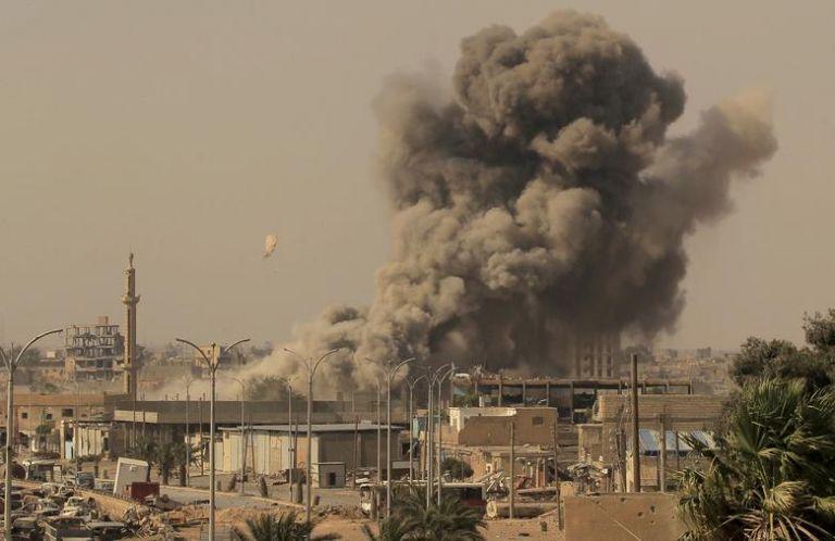 Συρία : 34 νεκροί από ρωσική αεροπορική επιδρομή εναντίον ανταρτών που υποστηρίζει η Τουρκία | tanea.gr