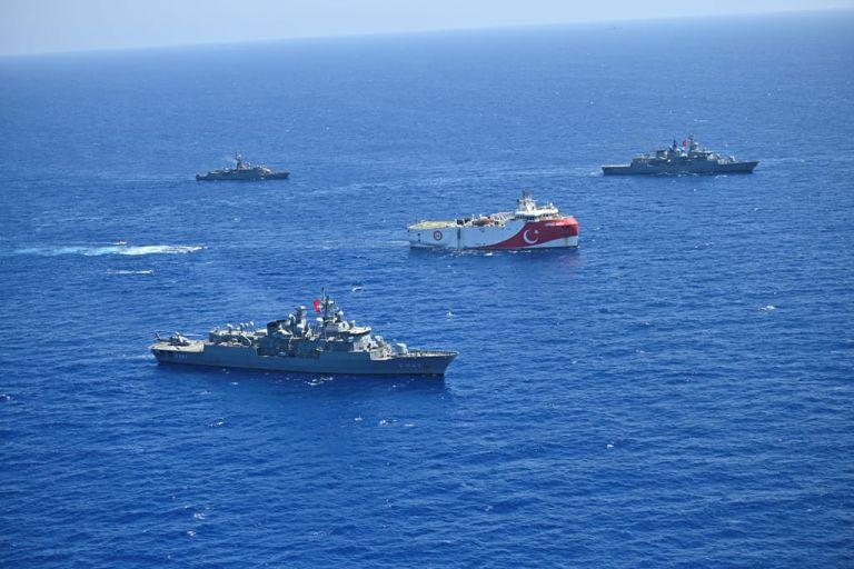 Oruc Reis : Πλησιάζει συνεχώς το Καστελλόριζο – Πού βρίσκονται τα συνοδευτικά πλοία | tanea.gr