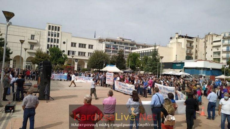 Ιανός: Συλλαλητήριο στην Καρδίτσα για τους πλημμυροπαθείς   tanea.gr