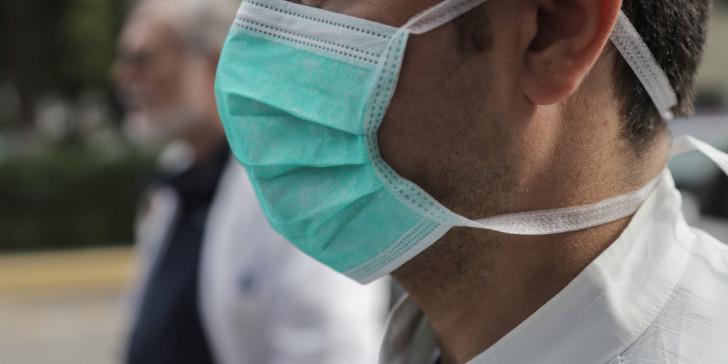 Η μάσκα προστατεύει αλλά όχι τελείως, σύμφωνα με νέα έρευνα | tanea.gr
