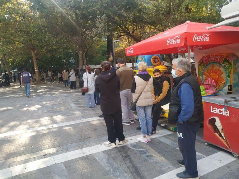 Κοροναϊός : Ουρές για rapid test στη Λάρισα | tanea.gr