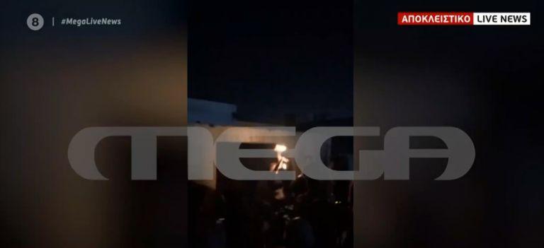 Αποκλειστικό MEGA: Κορονο-πάρτι σε ταράτσα στον Βοτανικό – Συνωστισμός και κανένα μέτρο προστασίας | tanea.gr
