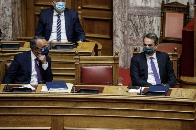 Πρόταση μομφής κατά Σταϊκούρα: Παρακολουθήστε την ομιλία Μητσοτάκη | tanea.gr