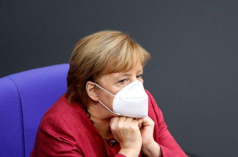 Η Μέρκελ κάλεσε τους ηγέτες της ΕΕ να προχωρήσουν σε lockdown | tanea.gr