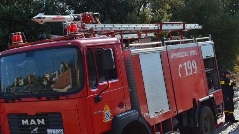 Πυρκαγιά κοντά στα λατομεία στο Σχιστό Κορυδαλλού | tanea.gr