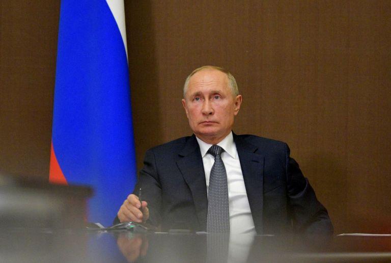 Ναγκόρνο Καραμπάχ: Να σταματήσουν αμέσως οι συγκρούσεις ζητεί ο Πούτιν   tanea.gr