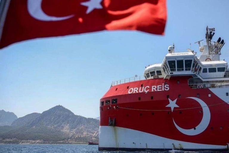 Παραληρεί η Αγκυρα: Διατυμπανίζει ότι το Oruc Reis «κινείται σε τουρκική υφαλοκρηπίδα» | tanea.gr