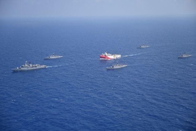 Ελληνοτουρκικά: Επιμένει στις ίσες αποστάσεις το ΝΑΤΟ - Πολεμικά εμβατήρια από την Τουρκία | tanea.gr
