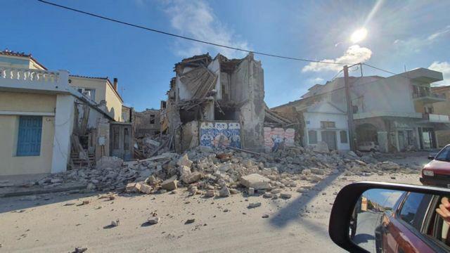Σάμος: Σε σκηνές και αυτοκίνητα οι κάτοικοι υπό το φόβο νέου σεισμού | tanea.gr