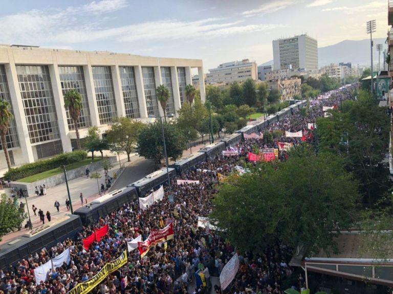 Έκτακτη ενημερωτική εκπομπή του MEGA για τη δίκη της Χρυσής Αυγής | tanea.gr