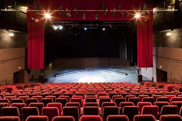 Κοροναϊός: Πώς θα λειτουργούν από Δευτέρα θέατρα, κινηματογράφοι και μουσεία | tanea.gr