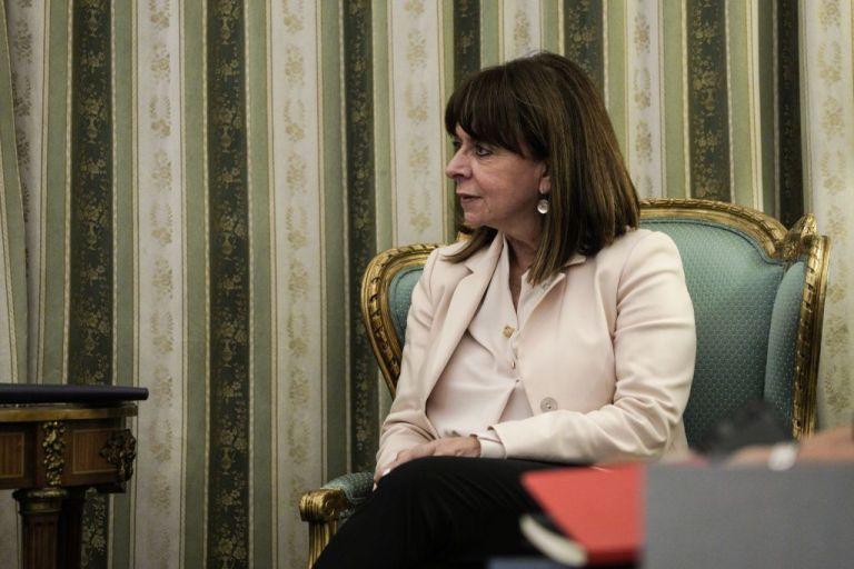 Σακελλαροπούλου : Επίτιμη διδάκτορας της Νομικής Σχολής του ΑΠΘ θα αναγορευθεί η ΠτΔ | tanea.gr