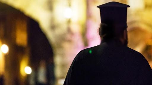 Κοροναϊός : Παρέμβαση εισαγγελέα για τις δηλώσεις ιερέα | tanea.gr