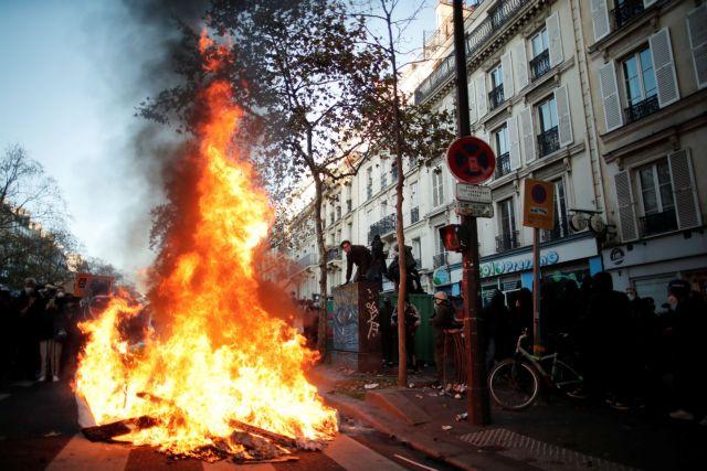 Γαλλία : Σοβαρά επεισόδια και καταγγελίες για αστυνομική αυθαιρεσία κατά διαδηλωτών | tanea.gr
