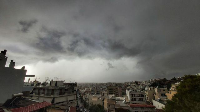 Καιρός : Χειμωνιάτικο σκηνικό με βροχές και δυνατούς ανέμους την Πέμπτη | tanea.gr